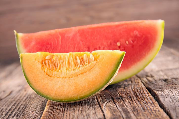 Melón y sandía, tentempiés sanos para el verano